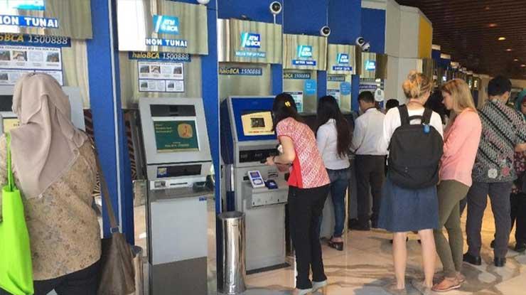 Datangi Gerai ATM Terdekat