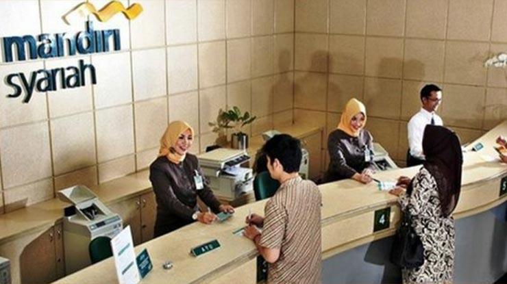 Datangi Kantor Cabang Bank Mandiri Syariah